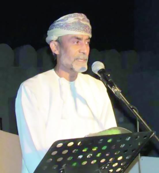 """الرئيس الفلسطيني يمنح الفنان صالح زعل وسام """"الثقافة والمعلوم"""""""