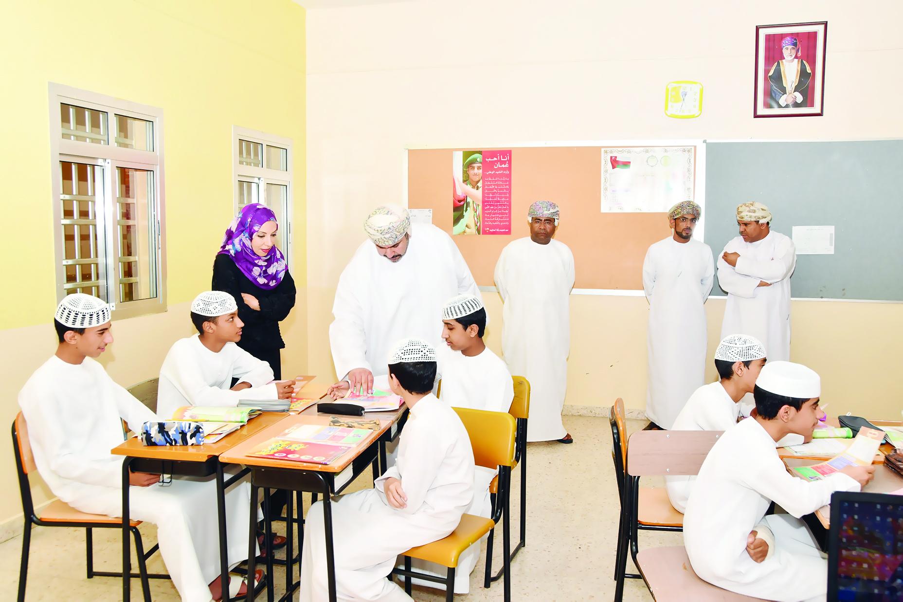 الشيبانية تزور مدارس ولايات مسندم