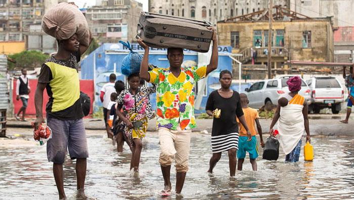 UNHCR sends emergency response teams to help Cyclone Idai survivors