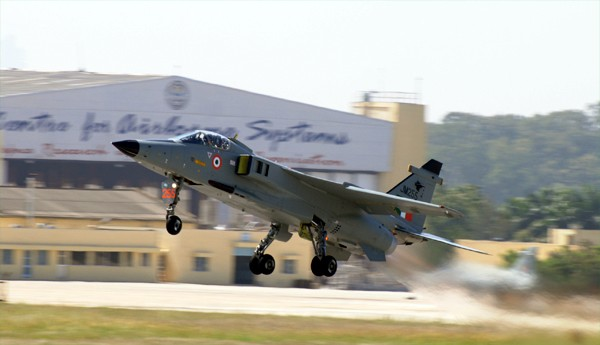 Fighter jet crashes in India, pilot ejects safely