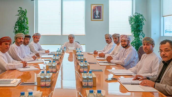 Al Mazunah Free Zone Committee holds review meeting