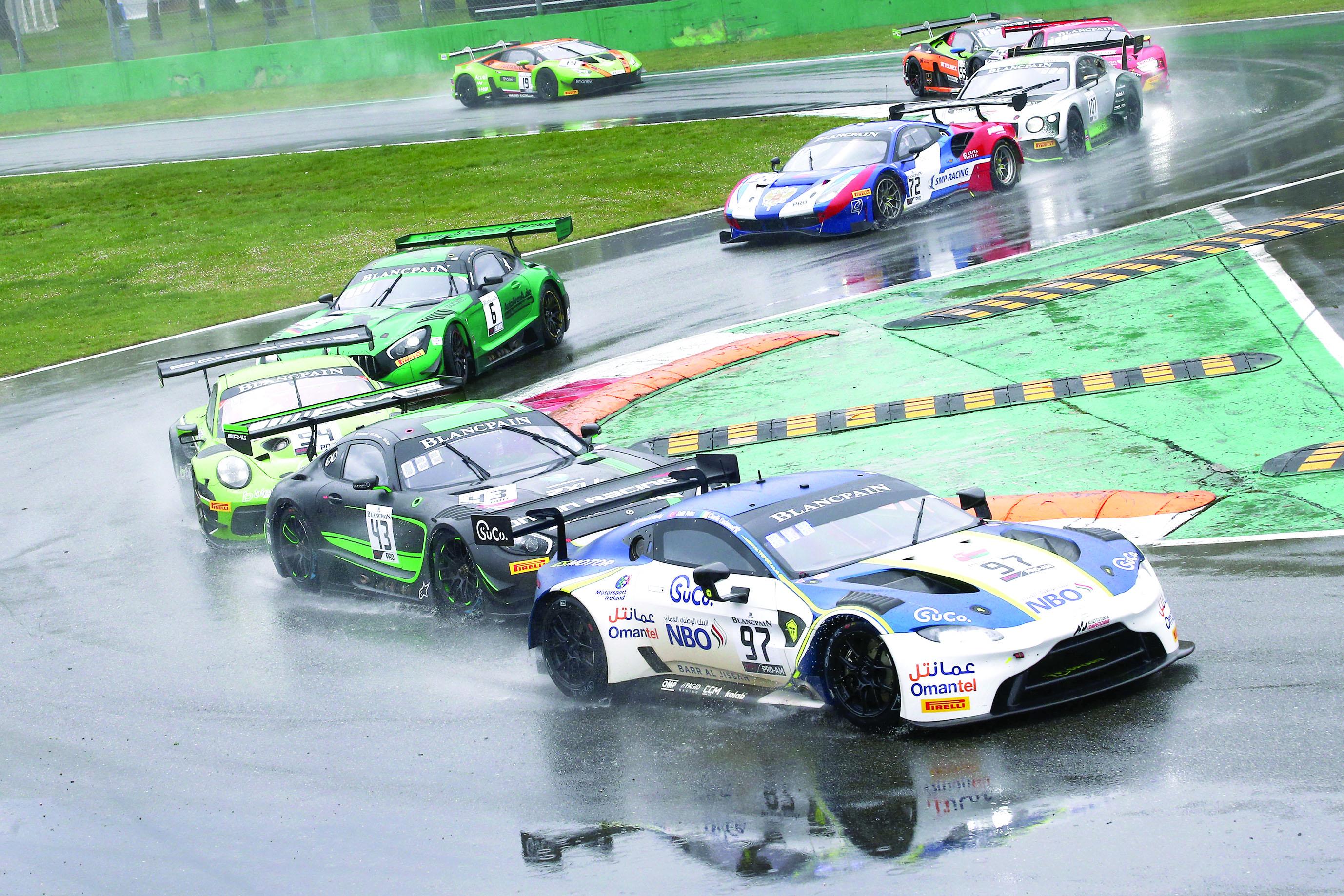 الإطارات تحرم الفريق من الصدارة عمان لسباقات السيارات يحرز المركز الثالـث في أولى جولات بلانك بان للتحمل