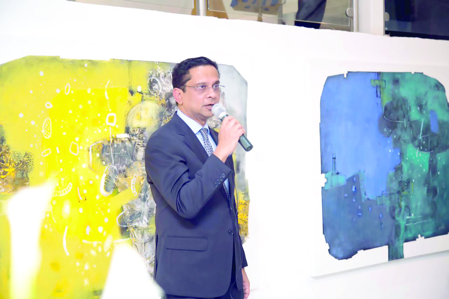 صحـار الـدولــي يستضيـفمعرض الفنانين من بنجلاديش