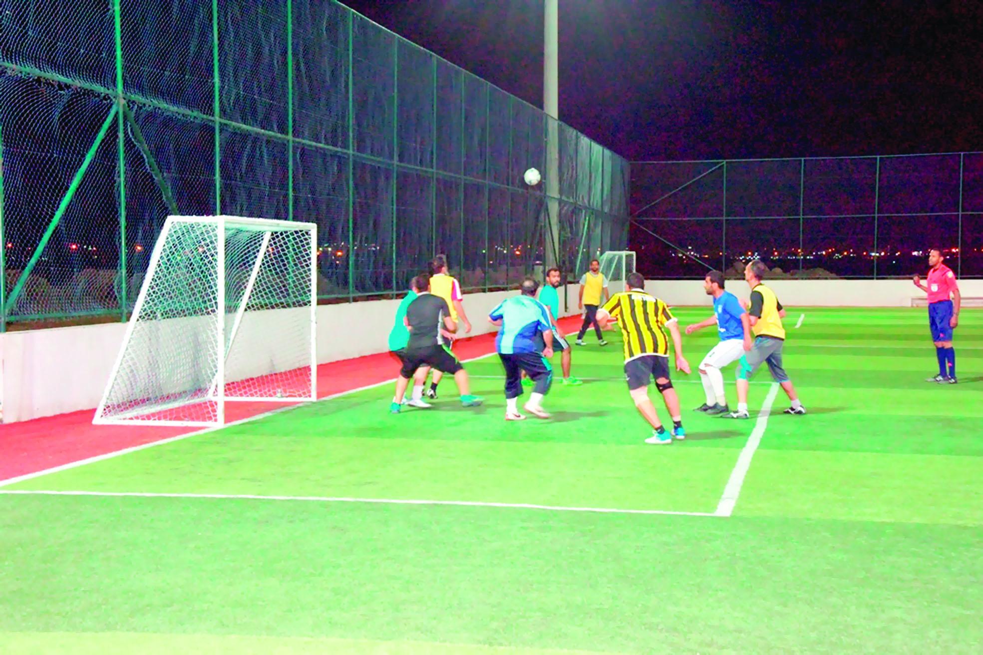 «الشؤون الإدارية» يتوَّج بكأس سداسيات كرة القدم لموظفي التربية بالداخلية