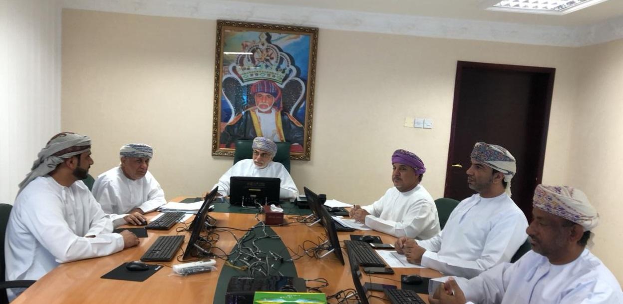 لجنة إثبات وتسجيل الملك بالبريمي تستعرض (35) طلباً