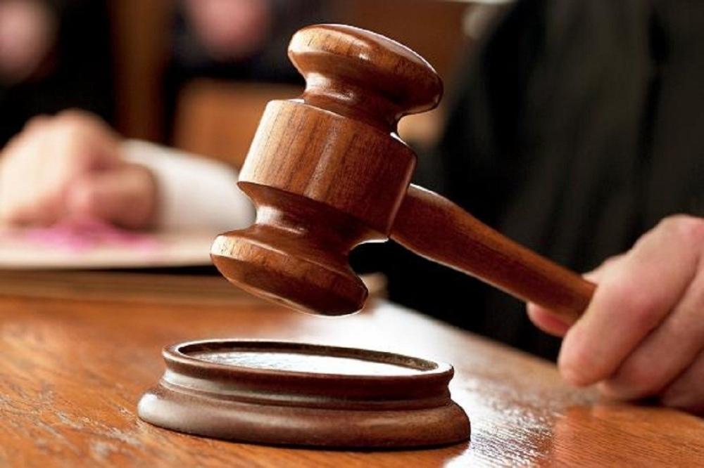 بعد استغلال ثقة المستهلك.. حكم قضائي بالسجن والطرد المؤبد بالبريمي