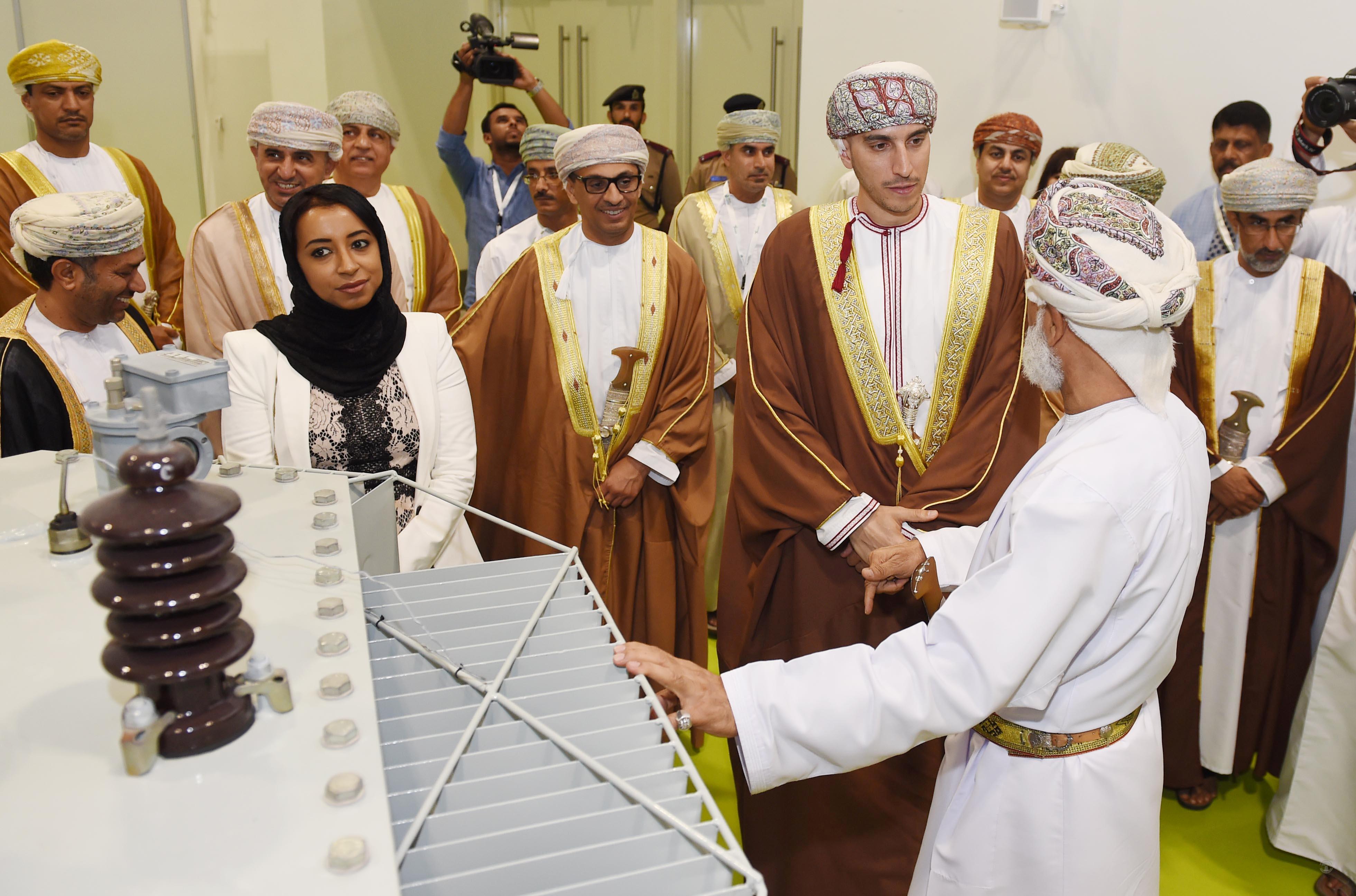 كامل بن فهد: اهتمام حكومي بالكهرباء والمياه