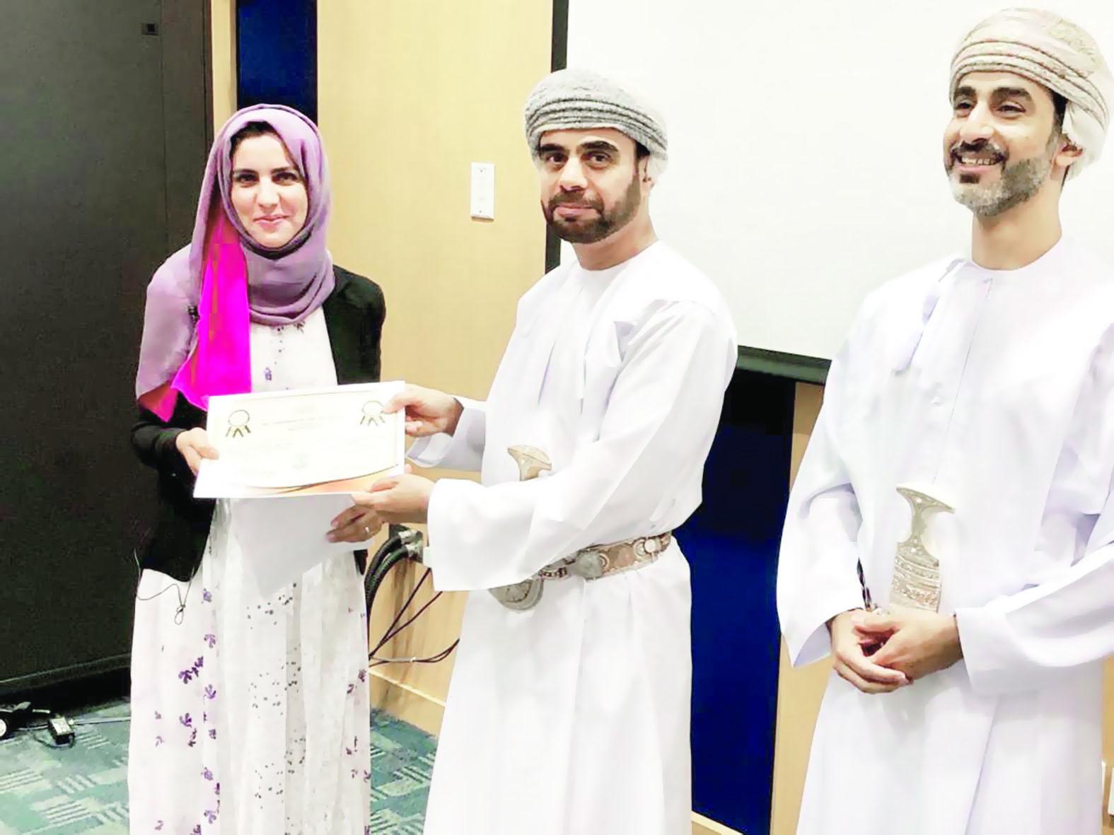مركز جراحة القلب بالمستشفى السلطاني يُكرم الموظفين المجيدين