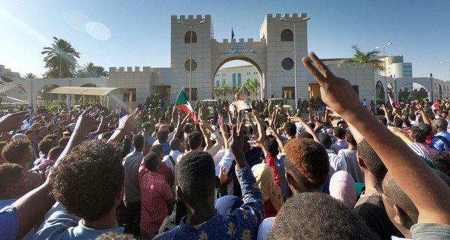 Six killed by gunfire in Sudan