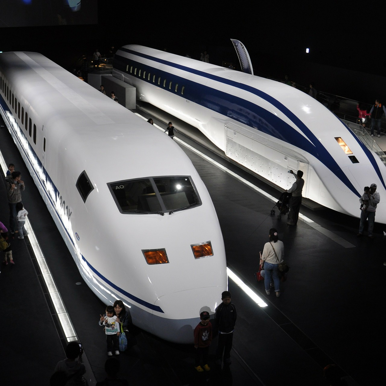 Japan tests new high speed train