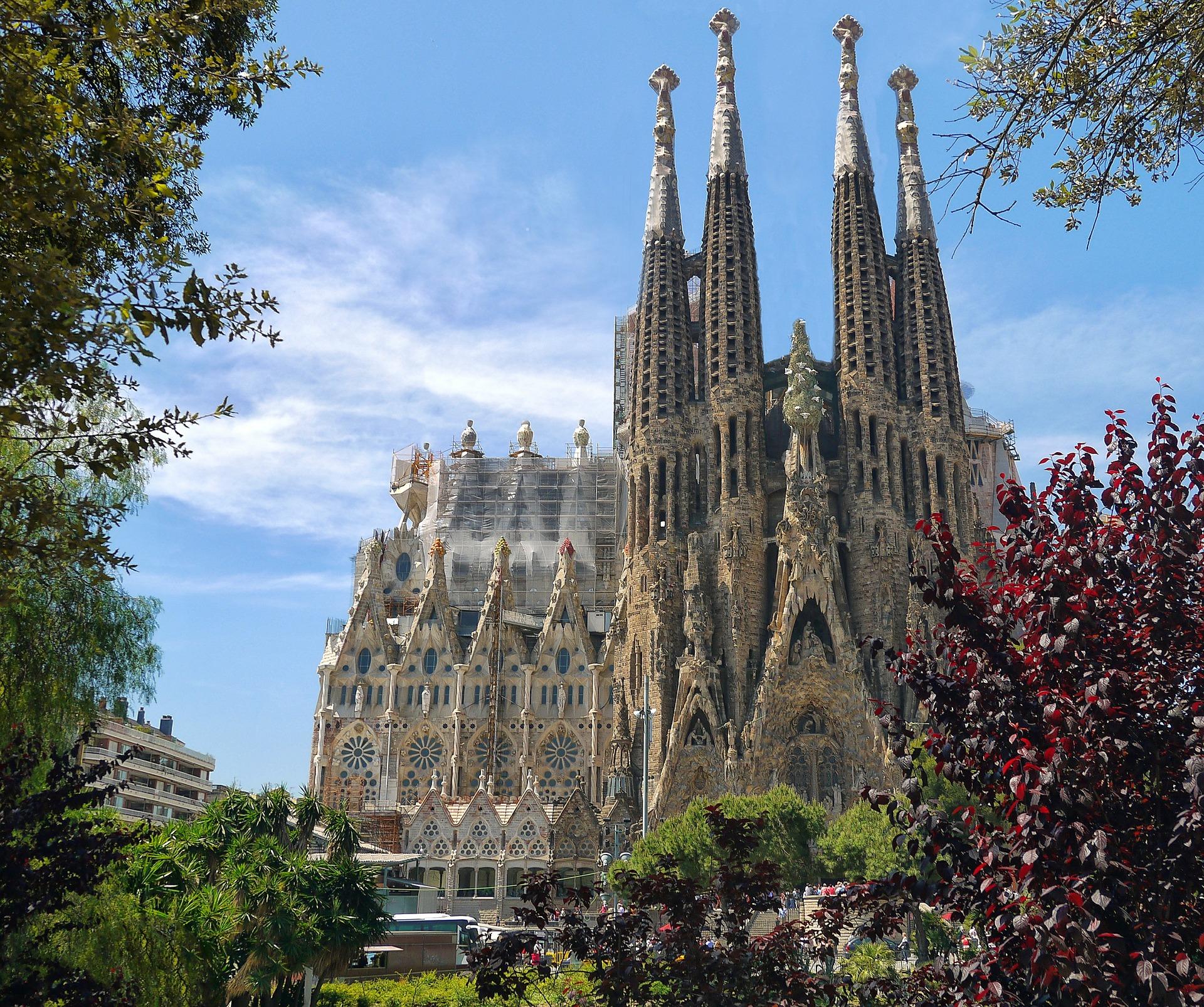 La Sagrada Familia gets building permit after 137 Years