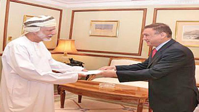 Alawi receives credentials of Iraqi, Kazakh ambassadors