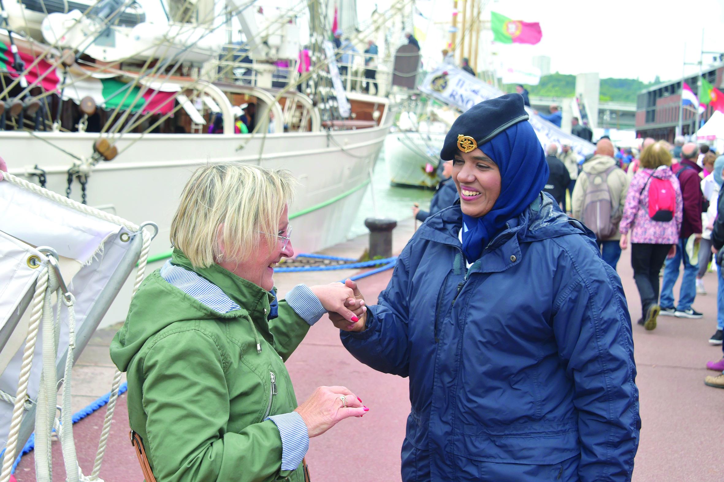 في المهرجان البحري الفرنسي«شباب عمان الثانية» تخطف الأنظار