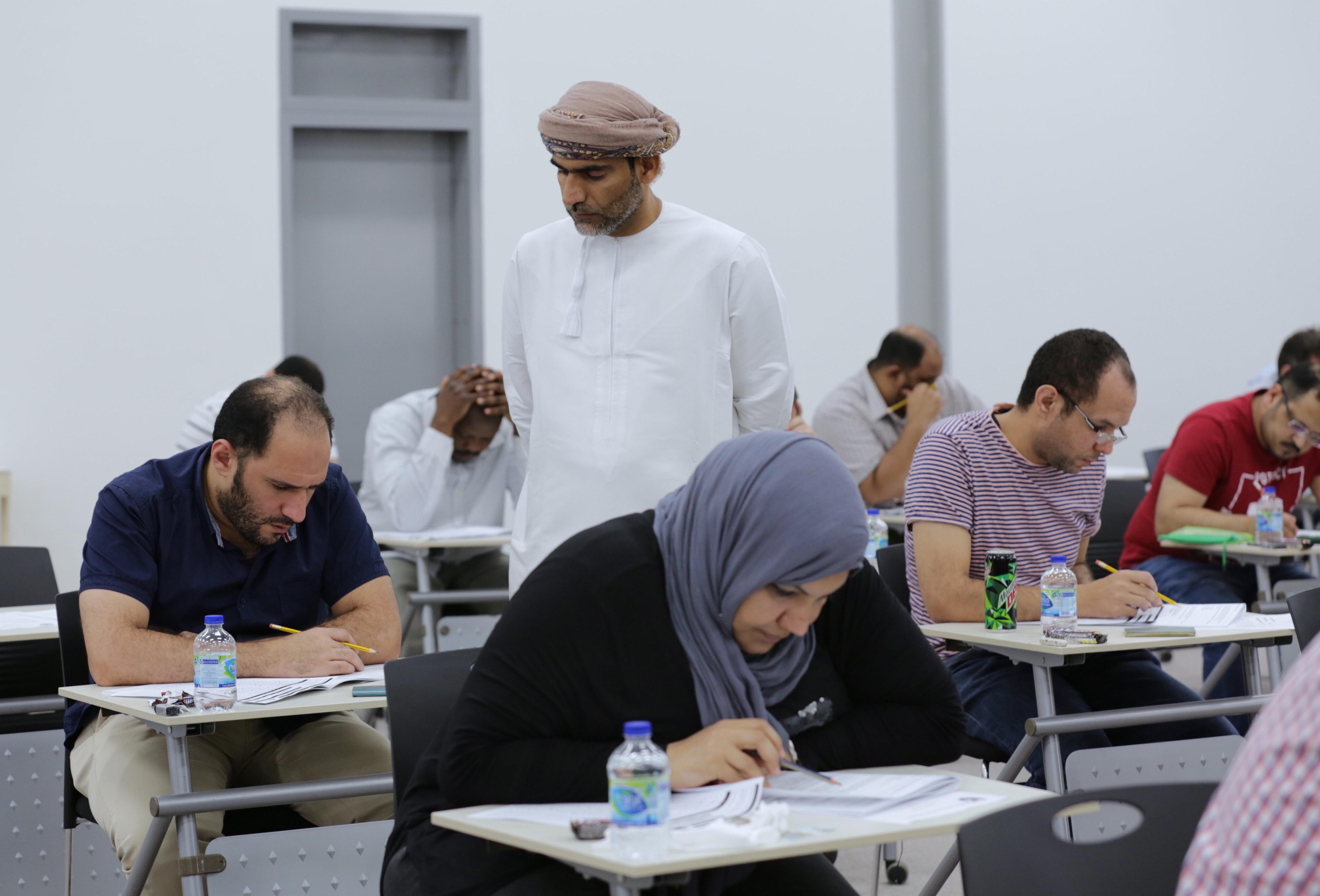 323 طبيبا يؤدون امتحان عضوية الكلية الملكية لطب الطوارئ