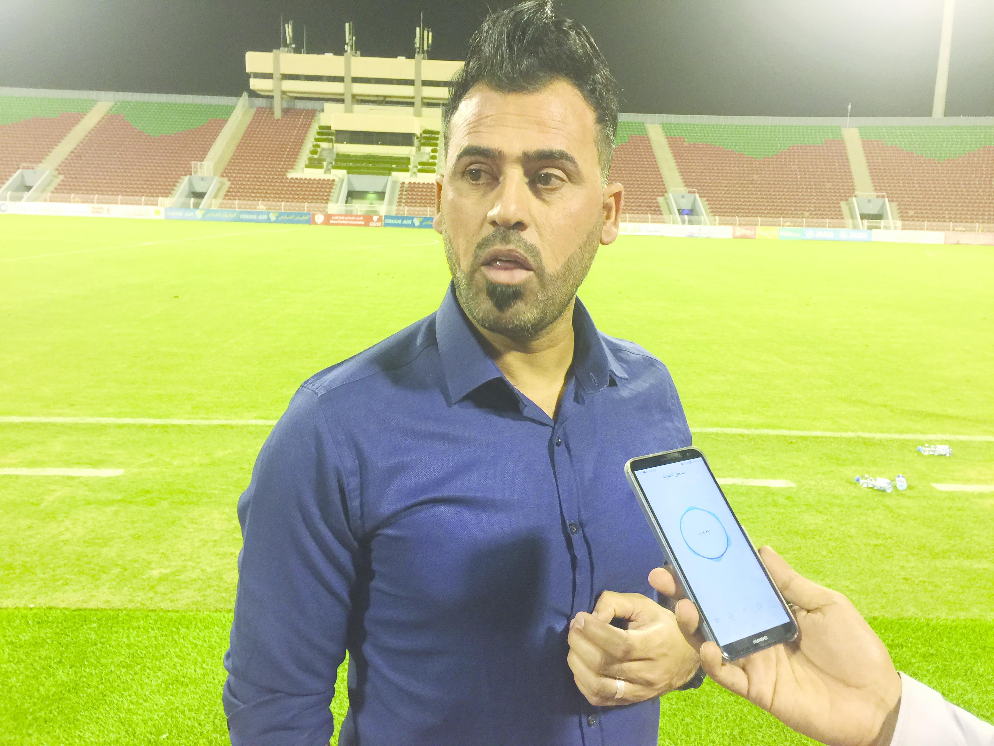 النجم العراقي  عماد محمد:اختيارنا للاعبين  بدون دوري محلي