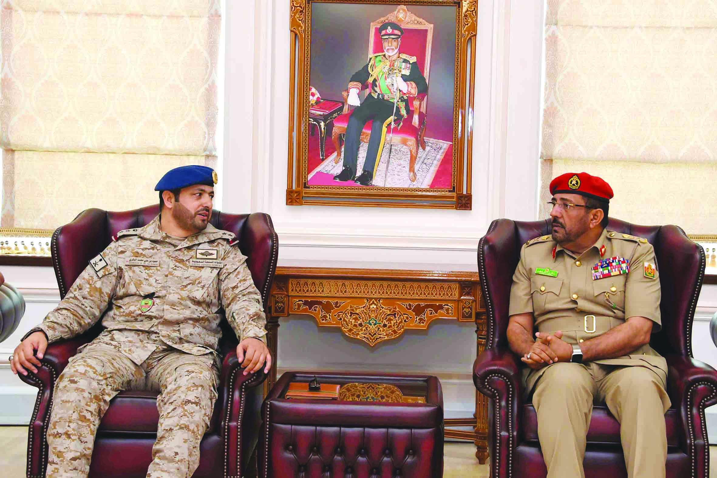 وفد سعودي يزور كلية الدفاع الوطني