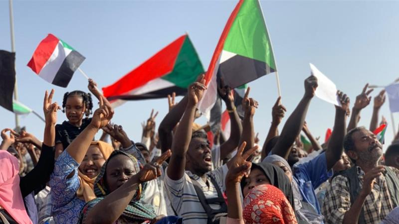 Sudan security forces 'carry out raids' on eve of mass protests