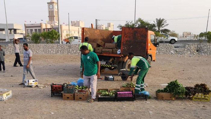 Illegal street vendors arrested in Oman