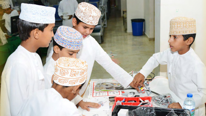 Sharing ideas of young innovators at Oman Science Festival