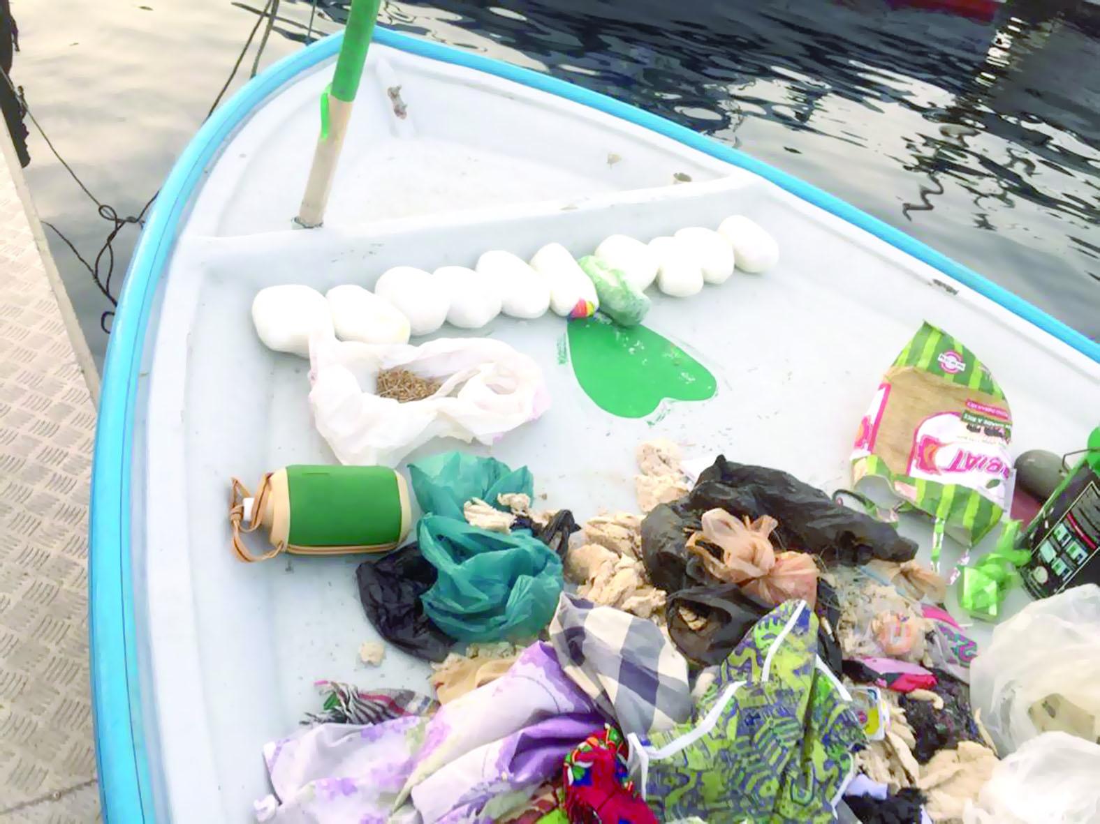 مهربي مخدرات مسندم في قبضة شرطة خفر السواحل