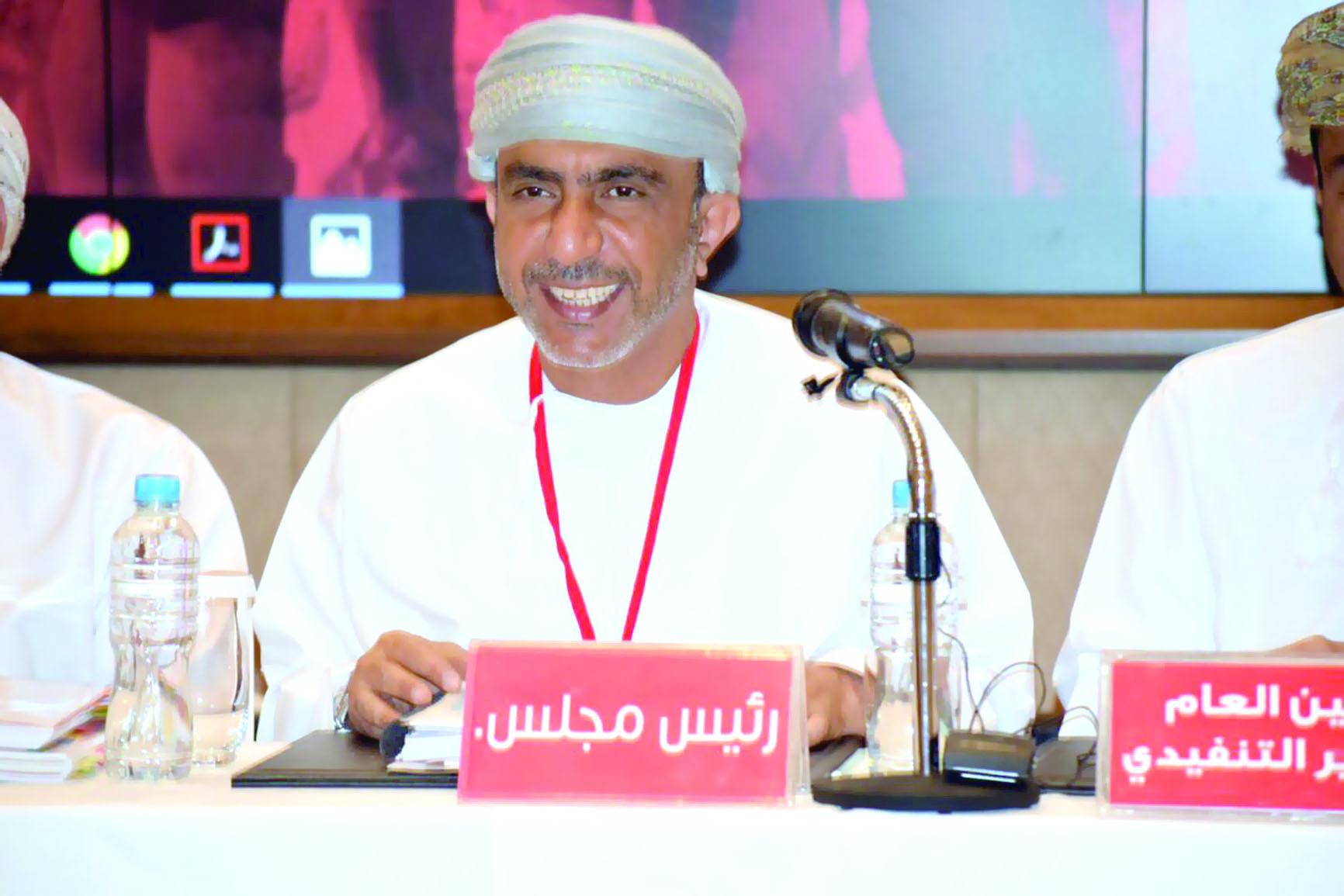 اتحاد الكرة يوقع اتفاقية رعاية دوري عمانتل