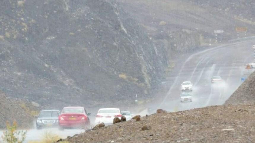 """أمطار رعدية تهطل على """"جبال الجحر"""" مساء اليوم"""