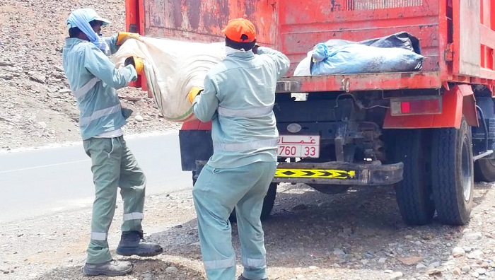 Municipalities in Oman keep roads safe from slaughter waste