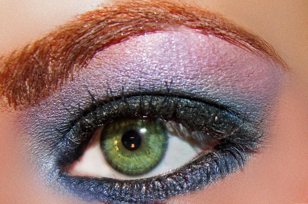 Beauty: Eye shadow tricks for beginners
