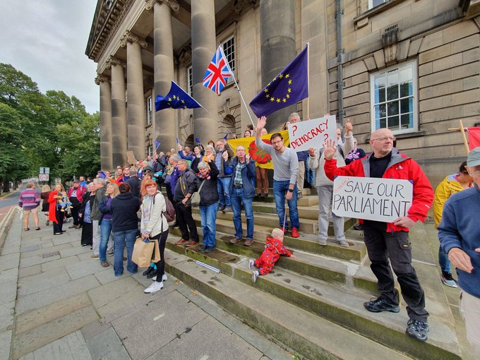 Hundreds of thousands to protest Johnson's move to suspend parliament