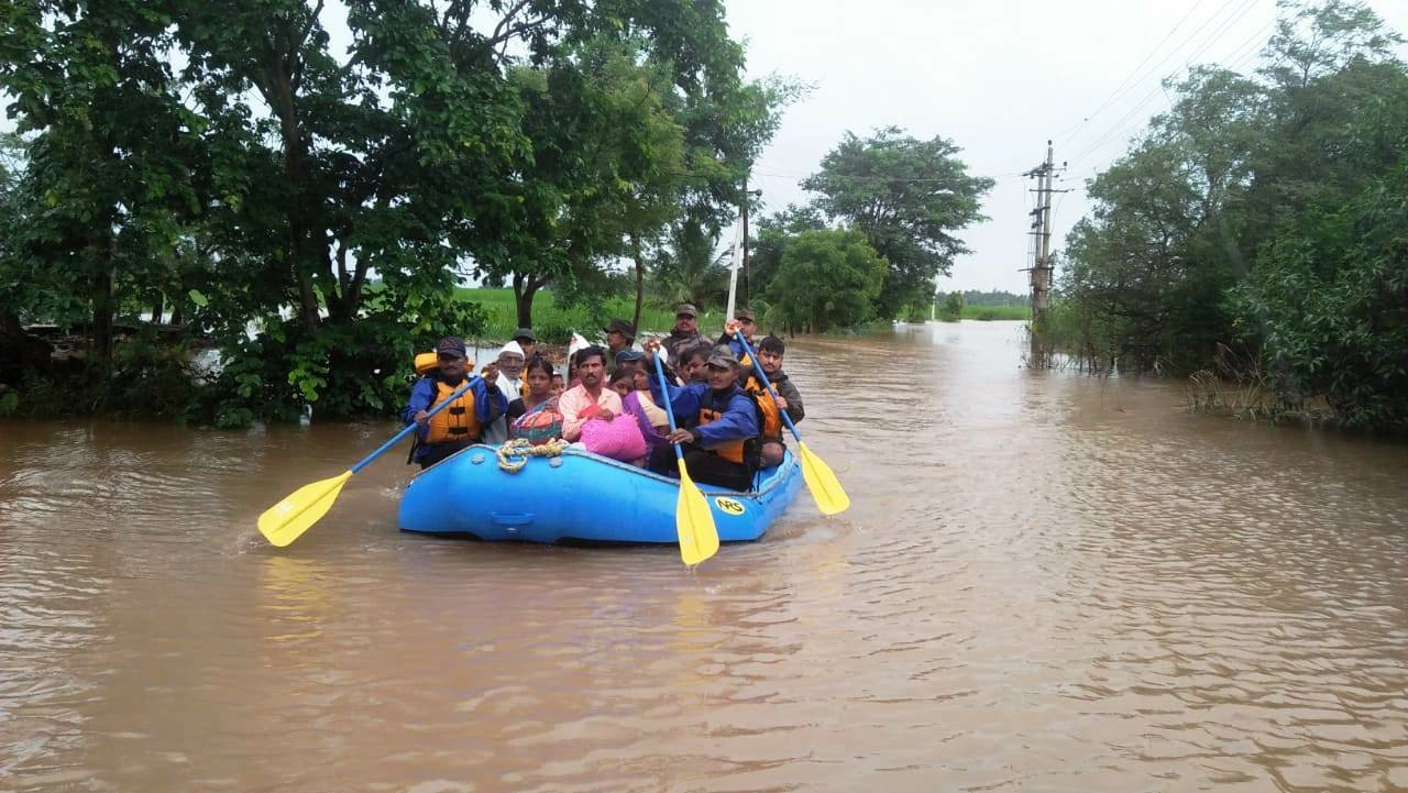 Floods in southern India disrupt life, transport