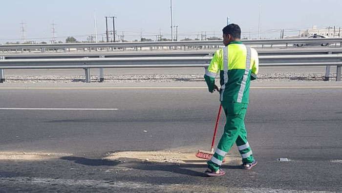 Truck carrying sand disrupts traffic in Oman