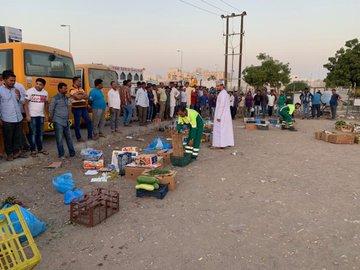 Muscat Municipality cracks down on illegal street vendors