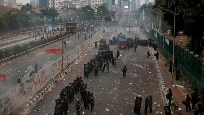 Thousands take to the streets in Indonesia to protest new criminal code