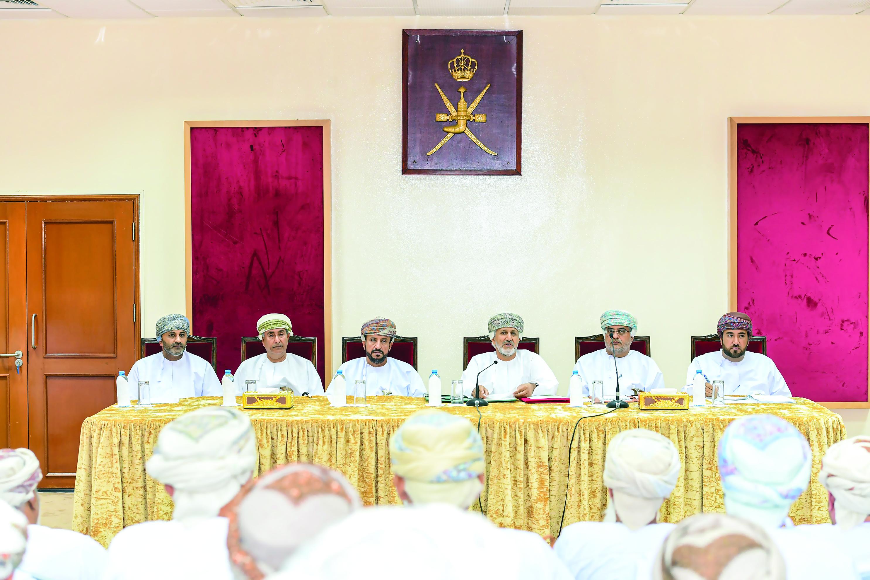 الهجانة السلطانية تعلن عن فعاليات المهرجان السنوي لسباقات الهجن الأهلية السابع عشر