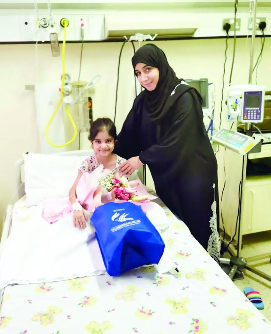 """العُمانية لحقوق الإنسان تزور الطفلة """"ميرال"""""""
