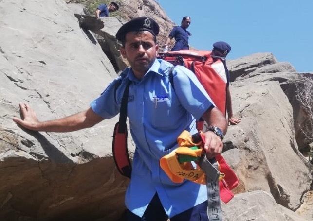 PACDA rescues Omani citizen stuck on mountain