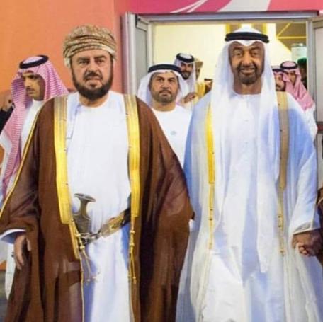"""السيد أسعد بن طارق يتسلم رسالة خطية من ولي عهد """"أبوظبي"""""""