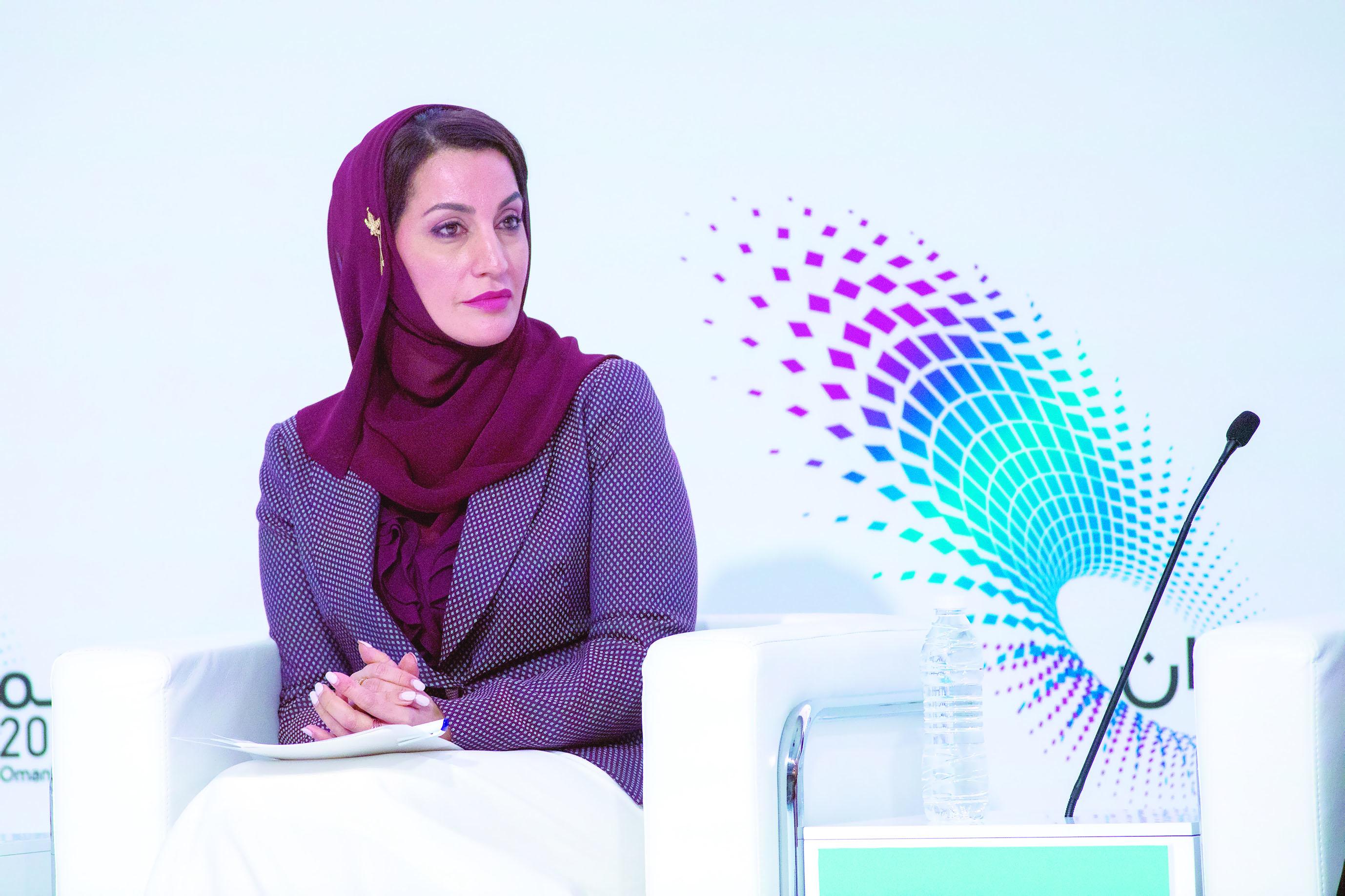 """35 % نسبة مشاركة المرأة العمانية في """"رؤية 2040"""""""