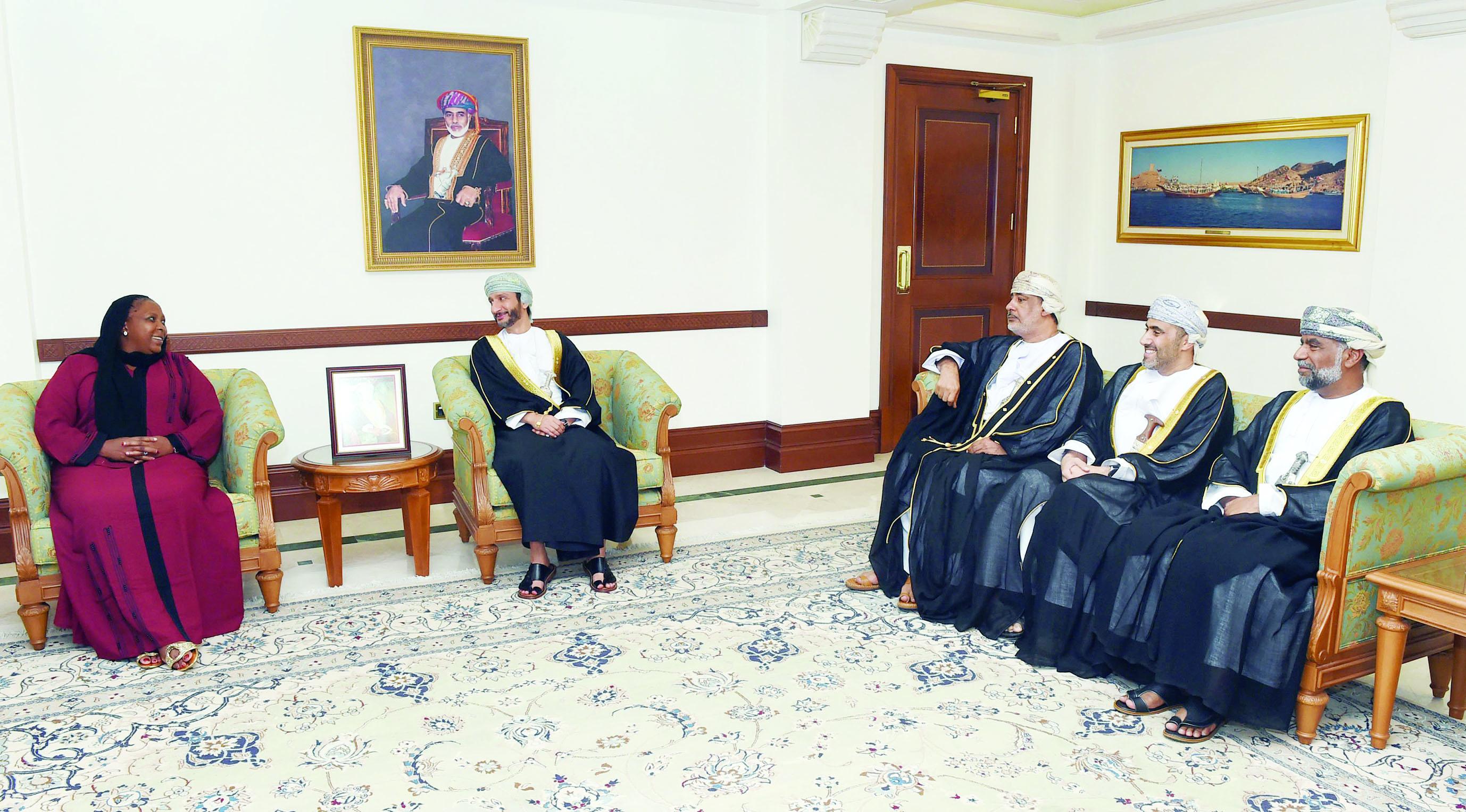 سعود البوسعيدي يستقبل رئيسةوزراء مقاطعة مبومالانجا بجنوب أفريقيا