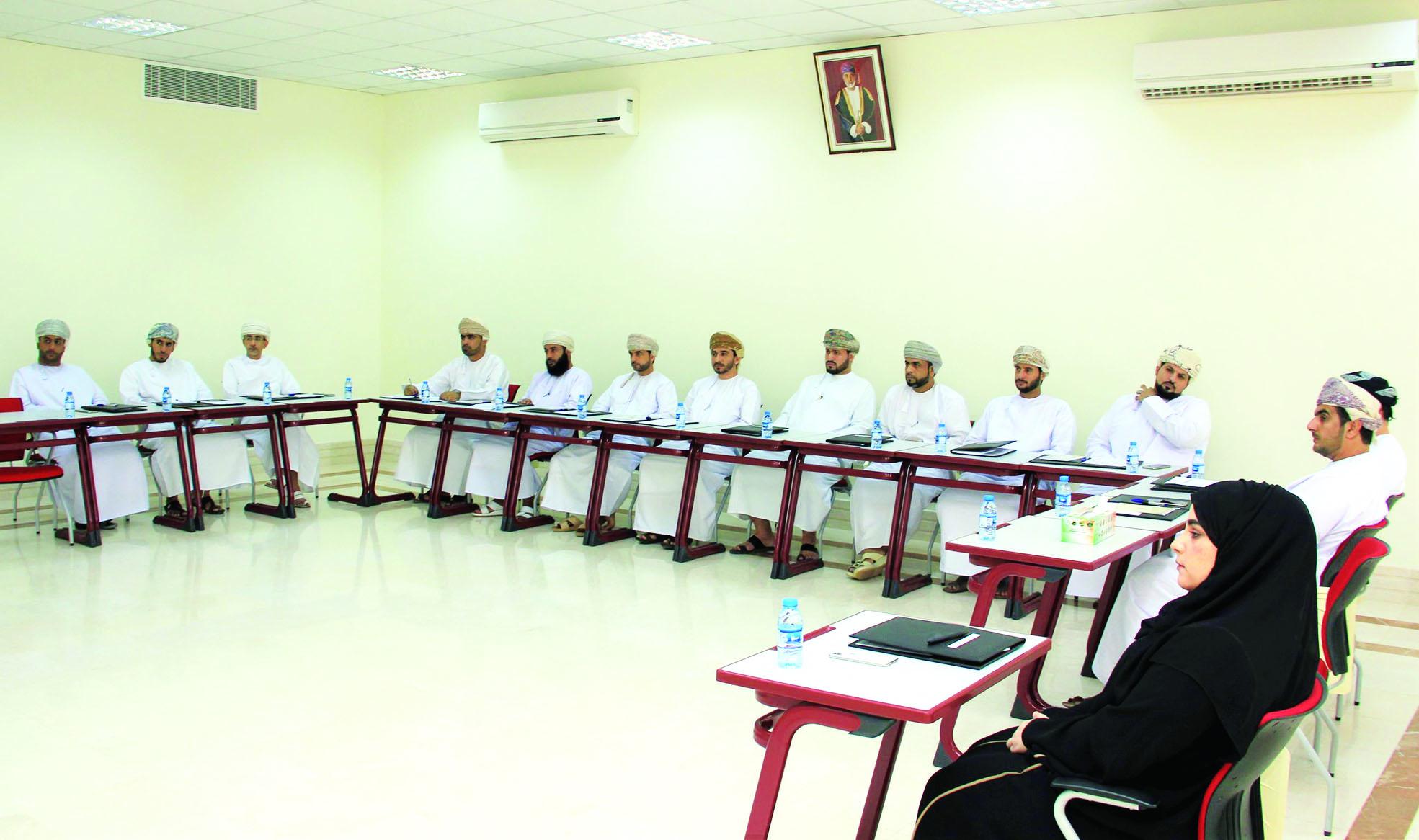 انطلاق البرنامج التدريبي في المعهد العالي للقضاء بنزوى