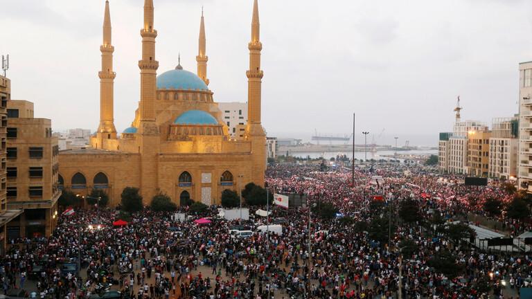 """عقب إلقاء كلمته.. اللبنانيون يطالبون الحريري بـ""""الرحيل"""""""