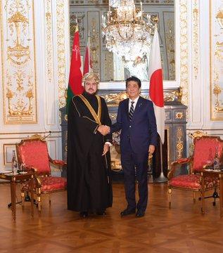 رئيس وزراء اليابان يستقبل أسعد بن طارق