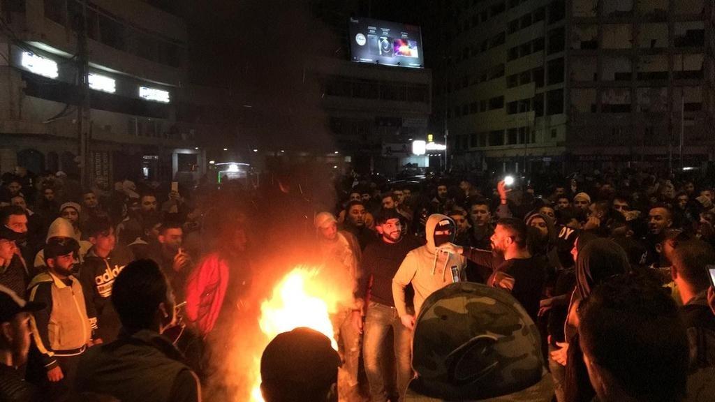 """الجيش اللبناني يمنع أنصار """"حزب الله"""" من دخول """"ساحة الشهداء"""" بيروت"""