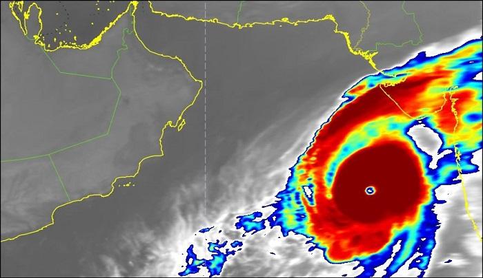 Weather Watch: Cyclone Kyarr lies 1,140 km away from Oman's coast