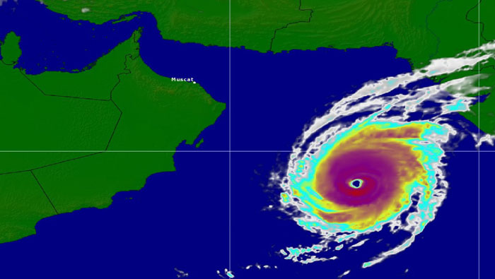 Kyarr continues as category 4 cyclone off Oman coast