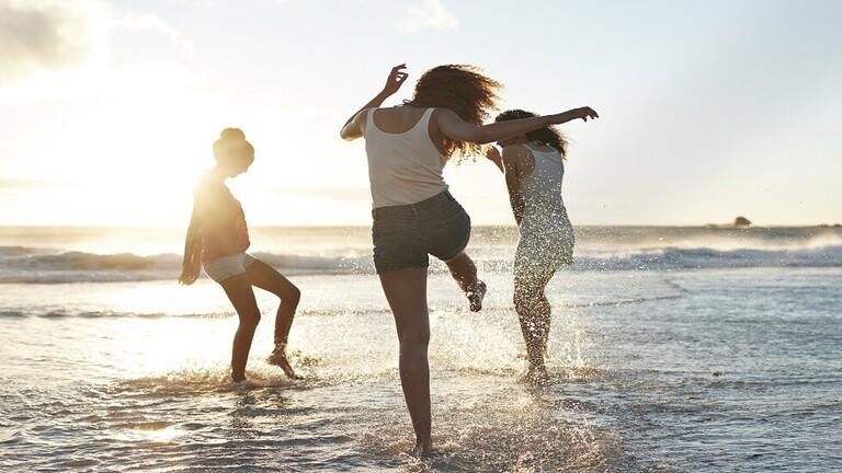 دراسة حديثة:  العيش قرب السواحل يقلل من إصابة الفقراء بأمراض عقلية