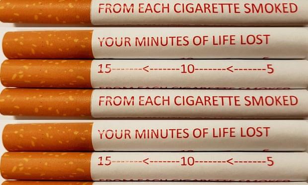 بحث أسترالي: الكتابة التحذيرية على السجائر يساعد على الحد من التدخين