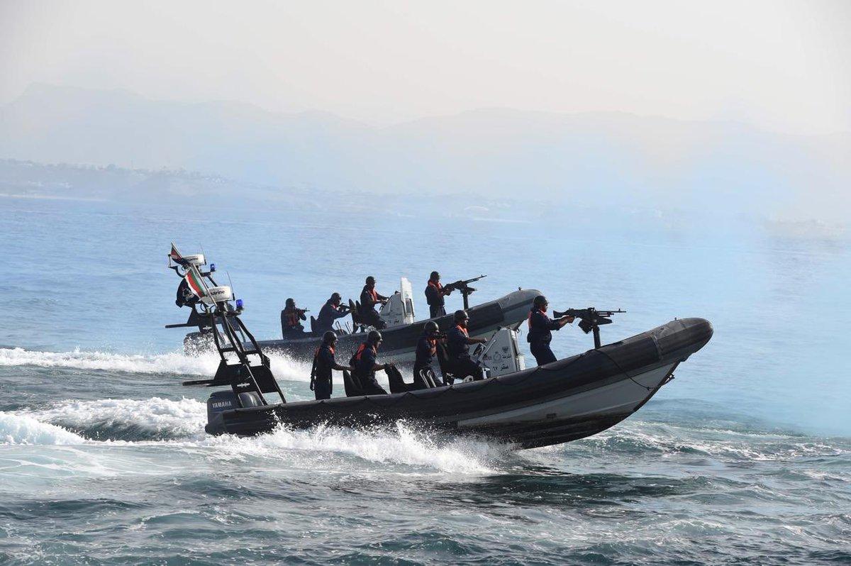 """خفر السواحل تضبط 16 متسللا من جنسية آسيوية في """"شناص"""""""