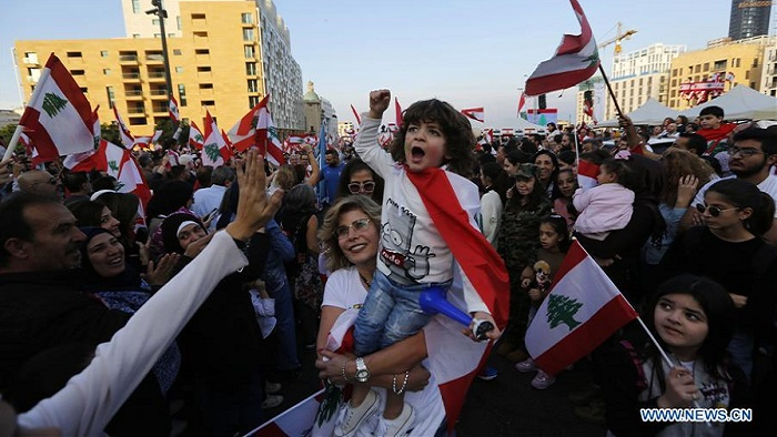 """Lebanese hold 1st """"civil parade"""" to celebrate Independence Day"""