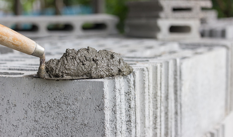 Do not use low quality cement in Oman : MoCI